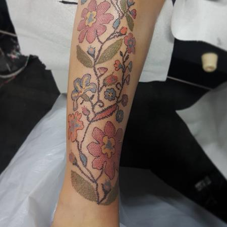 Новый тренд в татуировках, который одобрит даже ваша бабушка