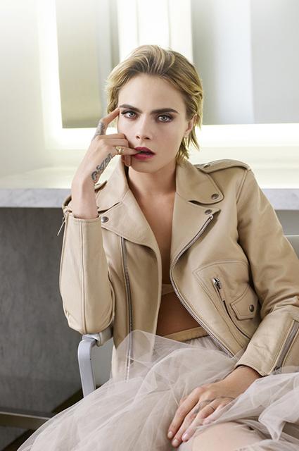 Бьюти-дайджест: от Кары Дельвинь в рекламе Dior до самых популярных бьюти-запросов года в Google