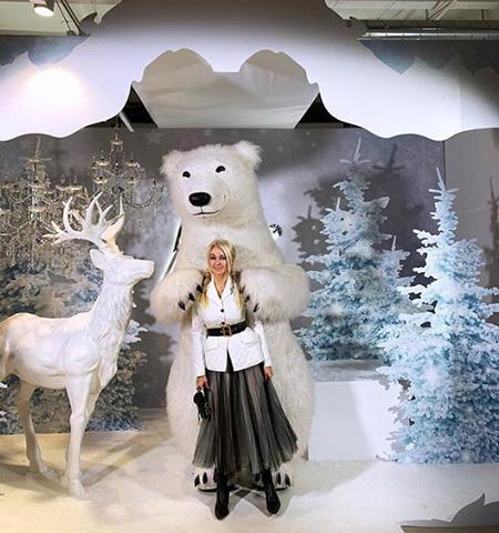 Звездный Instagram: праздничная атмосфера, семейные фото и зимняя сказка
