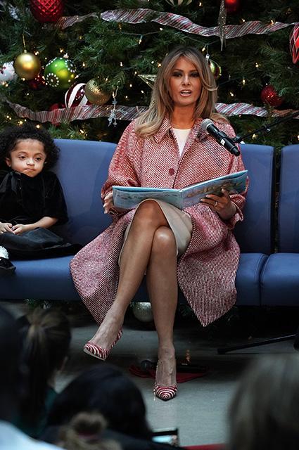 Мелания Трамп посетила детский госпиталь в преддверии Рождества
