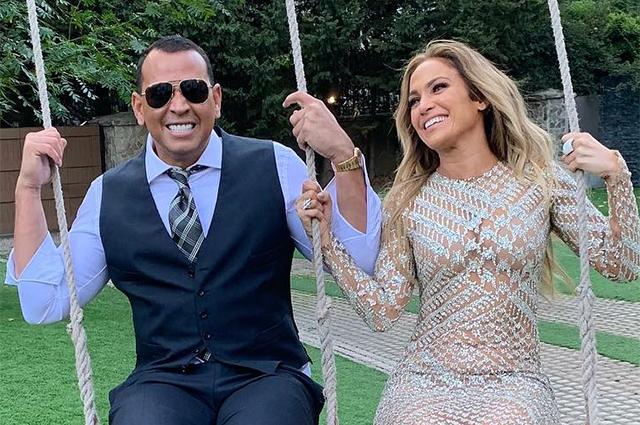 Двое на качелях: Дженнифер Лопес и Алекс Родригес на необычном свидании