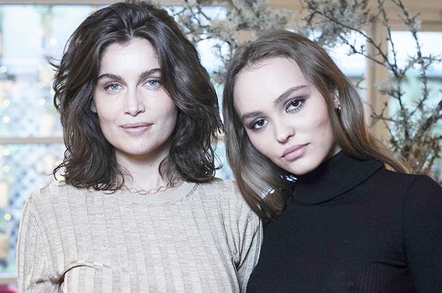 Лили-Роуз Депп и Летиция Каста на фотоколле в Париже