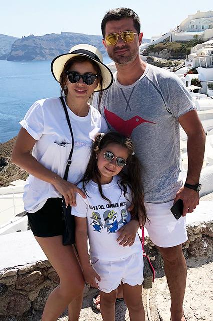 Ани Лорак и Мурат Налчаджиоглу с дочерью