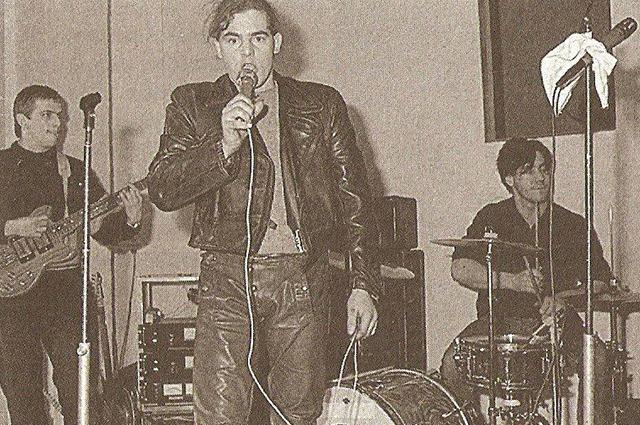 Тиль Линдеманн (на барабанах, справа)