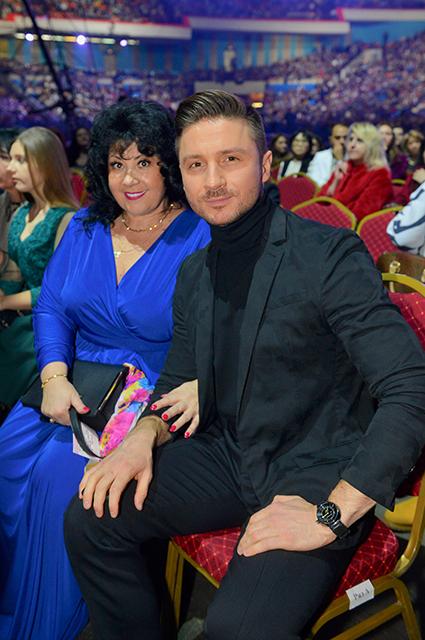 Сергей Лазарев с мамой