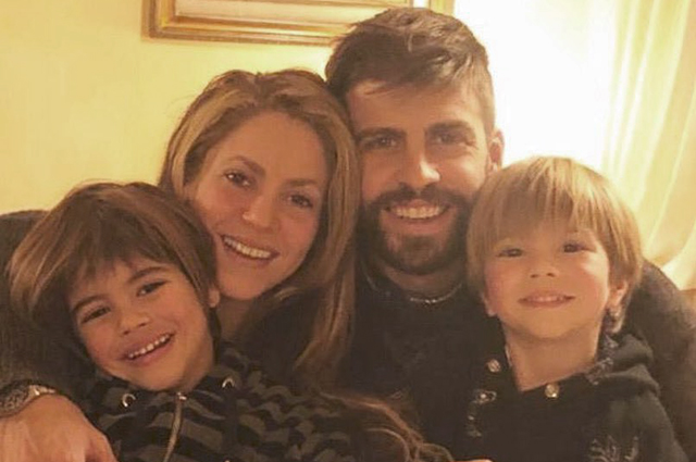 Редкий кадр: Шакира опубликовала милое селфи с Жераром Пике и подросшими детьми