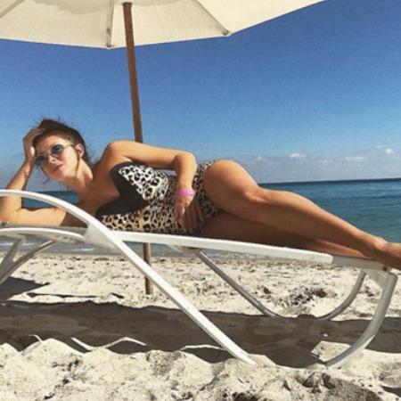 Лето на «Сплетнике»: Нюша, Сальма Хайек, Елена Перминова и другие позируют в бикини
