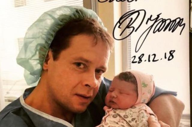Хоккеист Павел Буре стал отцом в третий раз