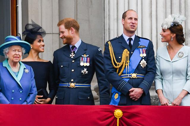 Королева Елизавета II, Меган Маркл, принц Гарри, принц Уильям, Кейт Миддлтон