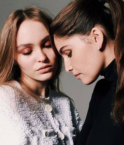 Лили-Роуз Депп и Летиция Каста снялись для обложки французского глянца