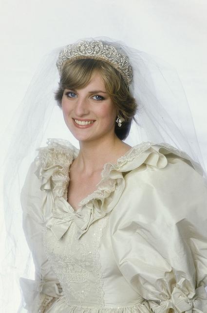 У принцессы Дианы было второе (секретное) свадебное платье