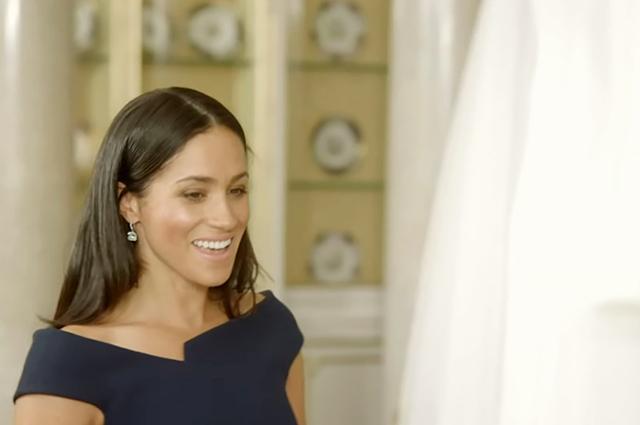 Меган Маркл изумилась при виде своего свадебного платья в новом документальном фильме: видео