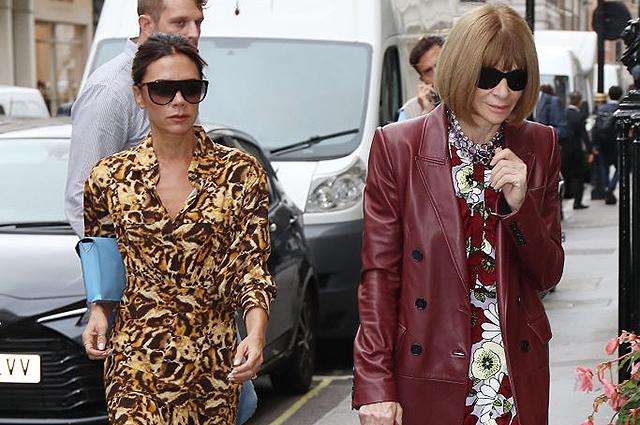 Виктория Бекхэм в леопардовом платье пришла на встречу с Анной Винтур в Лондоне