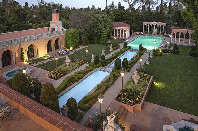 Особняк Херста в Беверли-Хиллз продается за 135 миллионов долларов: фото символа золотой эры Голливуда