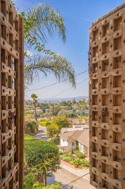 Леонардо ДиКаприо продает свой первый особняк в Лос-Анджелесе, купленный после успеха «Титаника»