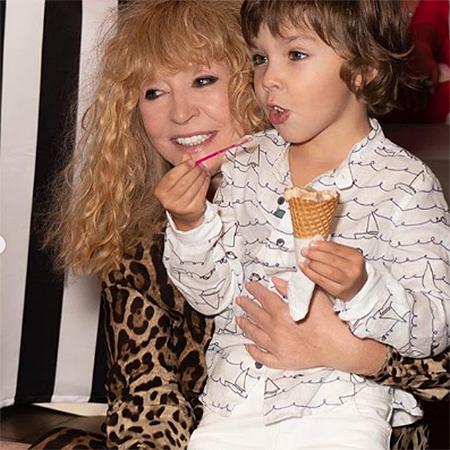 Максим Галкин опубликовал фоторепортаж с празднования дня рождения их с Аллой Пугачевой детей