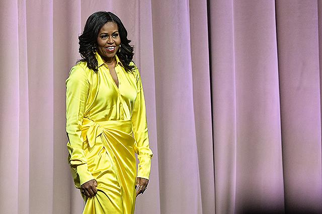 Мишель Обама удивила Сару Джессику Паркер ярким нарядом и сапогами в стиле диско