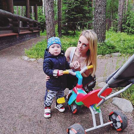 Милана Тюльпанова с сыном Артемием