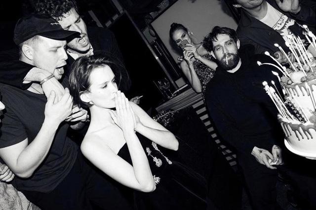Паулина Андреева с гостями праздника