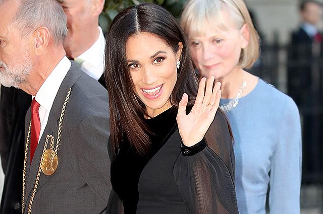 Меган Маркл впервые в одиночку появилась на публике в качестве члена королевской семьи
