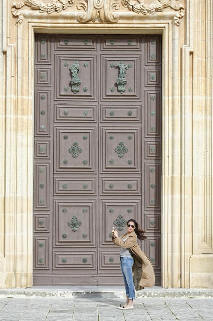 В сети обсуждают необычную фотосессию Меган Маркл на Мальте