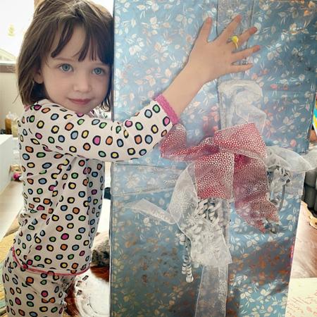 Милла Йовович отмечает праздники с семьей и делится фотографиями в соцсети