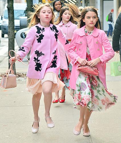 Сури Круз с подругами прогулялась по Нью-Йорку