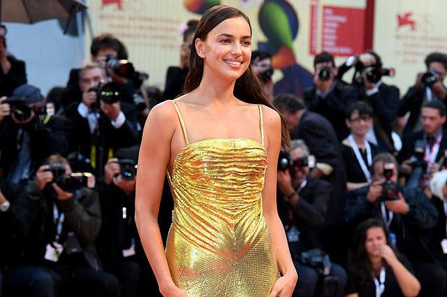 Ирина Шейк поддержала Брэдли Купера на премьере его фильма «Звезда родилась»