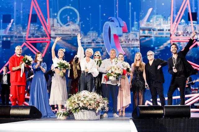 Анжелика Варум и Леонид Агутин с участниками концерта