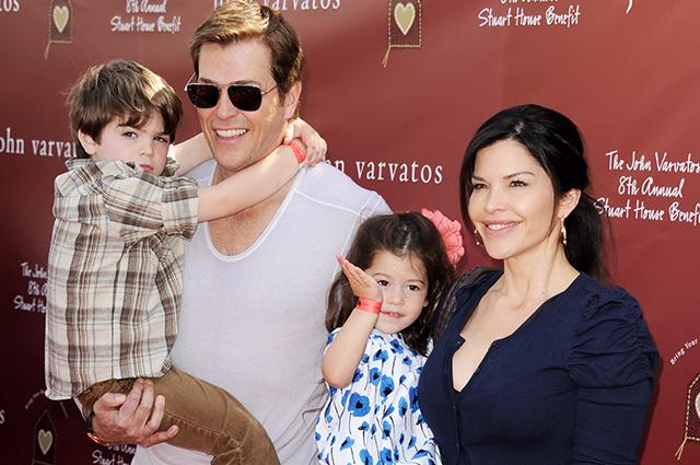 Лорен Санчес с супругом и детьми