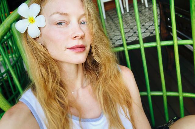Звездный Instagram: солнечные ванны, горнолыжные курорты и неисправимые романтики