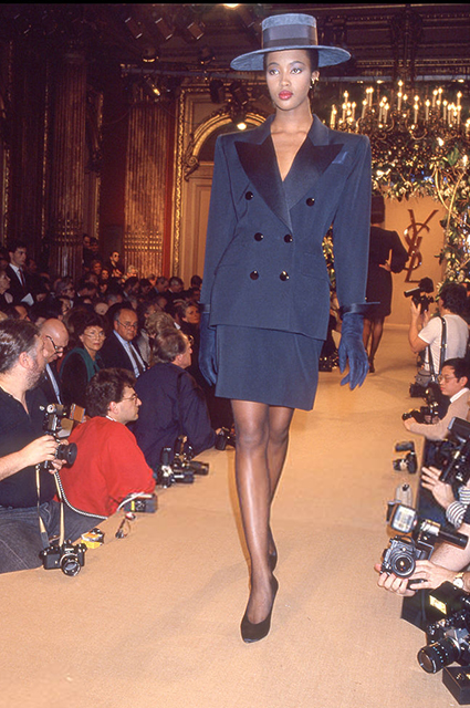 Наоми Кэмпбелл на показе Yves Saint Laurent, 1987