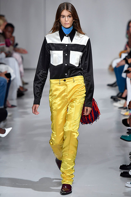 Кайя Гербер на показе Calvin Klein в 2016 году