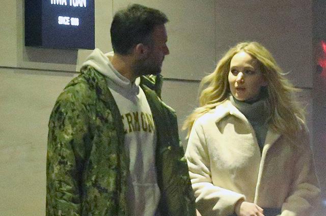 Счастливые будни: Дженнифер Лоуренс и Кук Марони на свидании в Нью-Йорке