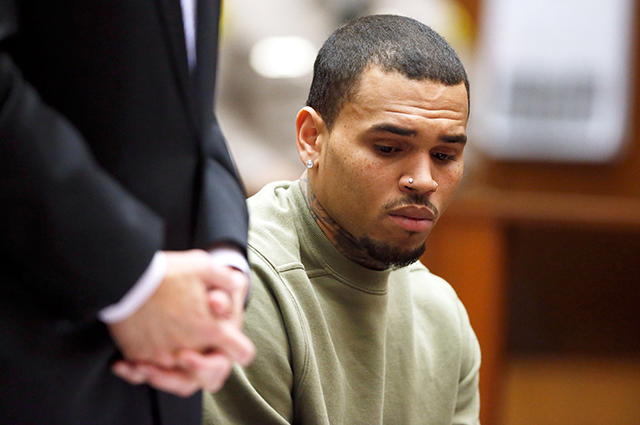 Крис Браун обвиняется в групповом изнасиловании