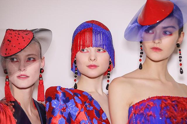 Бьюти-дайджест: от маски для груди до необычного макияжа на показе Armani Prive