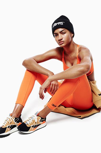 Идем на рекорд: новые спортивные коллекции от Виктории Бекхэм и не только