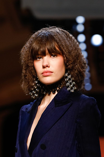 Неделя высокой моды в Париже: Ирина Шейк на показе Jean Paul Gaultier