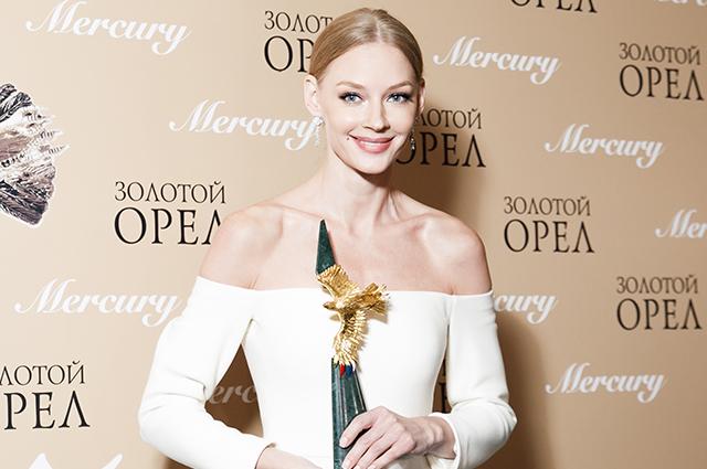 «Золотой орел — 2019»: Ходченкова, Кожевникова, Михалковы, Лановой и другие на кинопремии