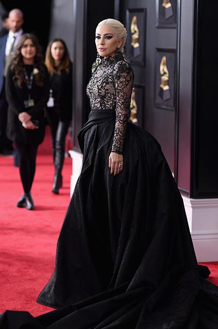 От матери монстров до ретродивы: модная эволюция Леди Гаги на «Грэмми»