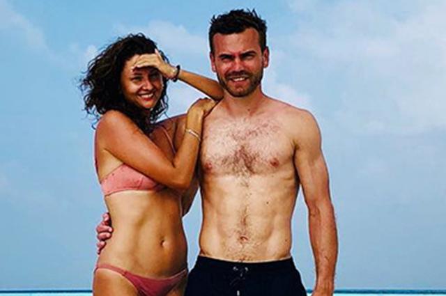 Игорь Акинфеев с женой Екатериной отдыхает на Мальдивах
