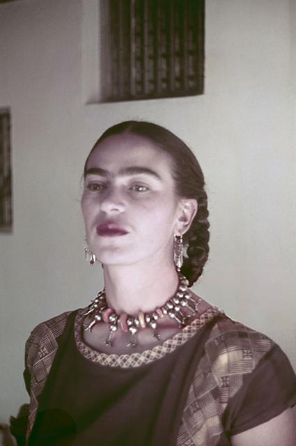 Минутка ретро: как Фрида Кало создавала свой легендарный образ