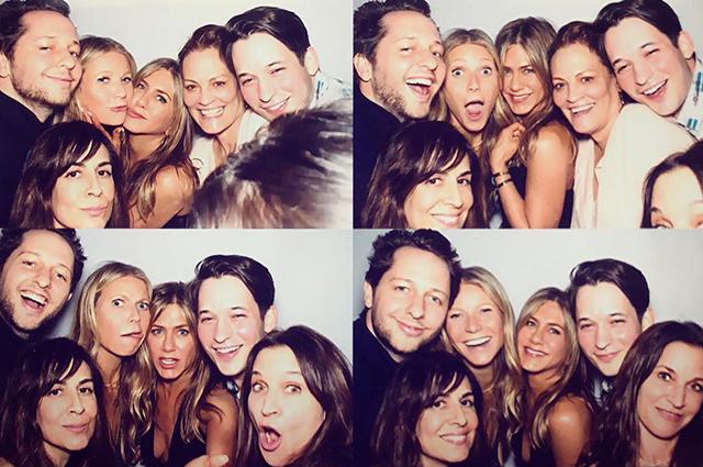 Дженнифер Энистон с друзьями