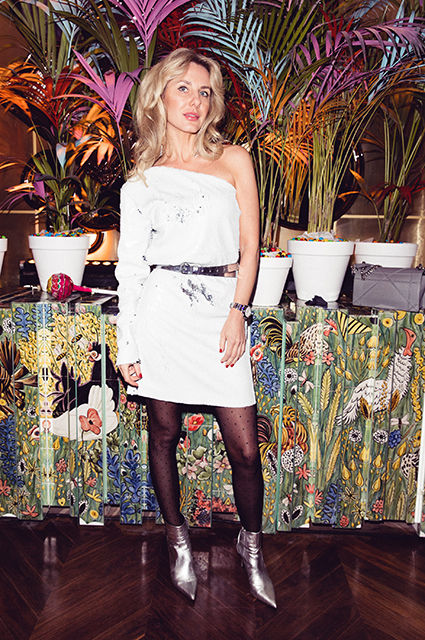 Ксения Собчак, Матильда Шнурова, Милана Тюльпанова и другие на диско-вечеринке в ресторане «Кококо»
