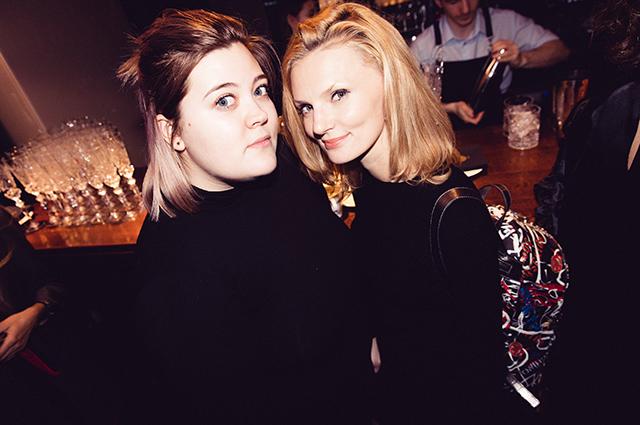 Вероника Федорова с подругой
