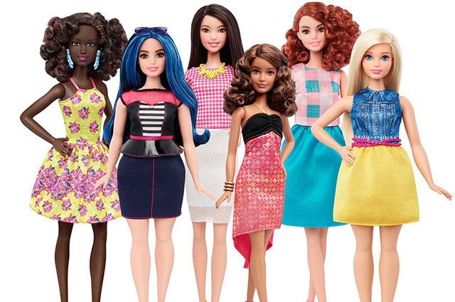 В продаже появятся инклюзивные Барби — с протезом и на коляске