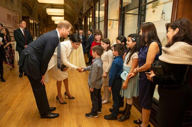 Меган Маркл и принц Гарри на гала-представлении в Музее естественной истории в Лондоне