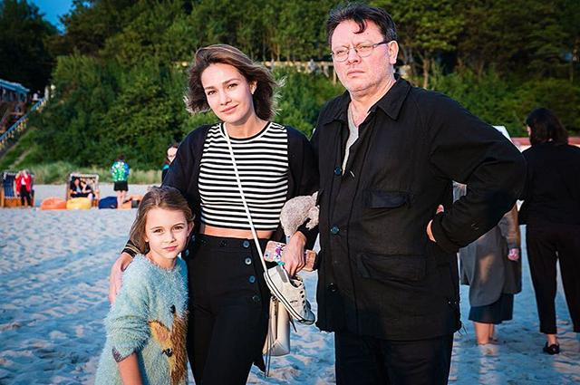 Зоя Тодоровская с мамой Евгенией Брик и отцом Валерием Тодоровским