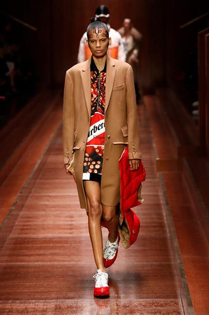 Неделя моды в Лондоне: Ирина Шейк, Наталья Водянова, Джиджи Хадид и другие на показе Burberry сезона осень-зима 2019/2020