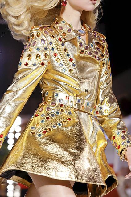 Неделя моды в Милане: Ирина Шейк, Белла Хадид и другие на показе Moschino сезона осень-зима 2019/2020